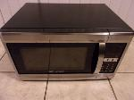 Lot: A7852 - Working Emerson Microwave