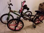 Lot: A7882 - Pair of Mongoose Boy & Girl Bikes