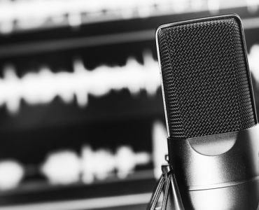 top 10 ecommerce podcasts for retailers