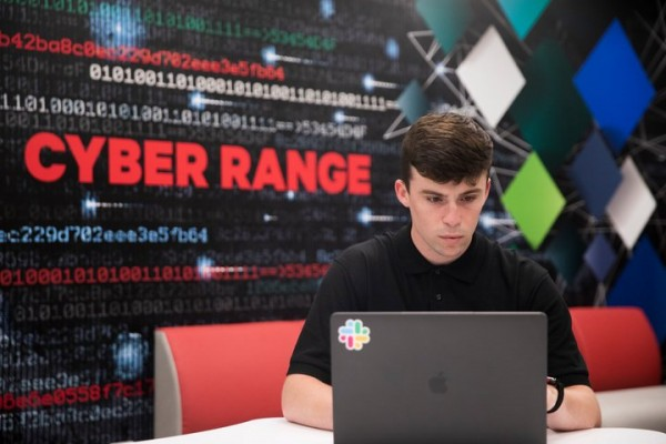 2019-Cybersecurity-CyberRange-Student-MP-0423-001-720x480-0fad10bd-6f45-4b9d-a2a4-8c874a95a329