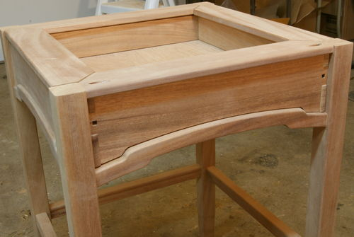 My 1st attempt at greene and greene style furniture 7 for Greene and greene inspired furniture
