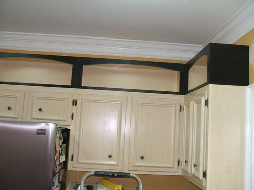 Pimping a kitchen with add on cabinet toppers by david for Bulkhead over kitchen cabinets