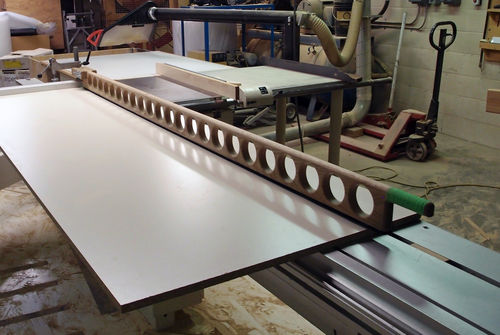 Shop Notes 1 Pressure Bar For Sliding Table Saw By