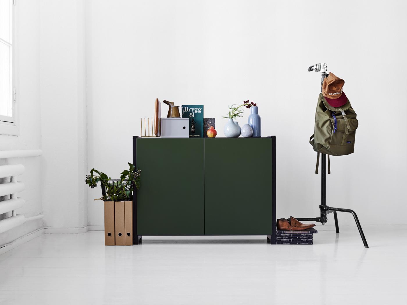 Lundia Classic -kaappi vihreillä ovilla