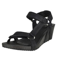Teva Isidro Universal Wedge Wedge Sandals