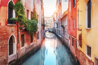5 Ways to Avoid the Venice Crowds