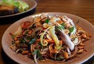 Chicken_banana_blossom_salad_caugohanoi