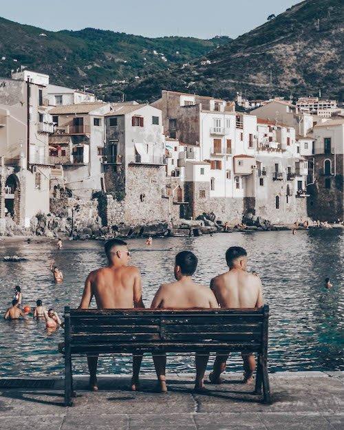 Fanis Italy