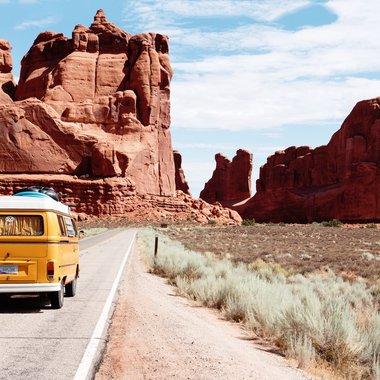 Road Trip USA Van Desert