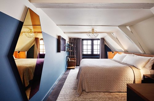 the_hoxton_amsterdam_cosy_room.jpg