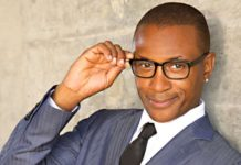 Tommy Davidson at Chicago Improv of Schaumburg
