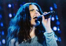 Idina Menzel at the Chicago Theatre