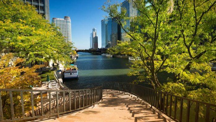 Chicago Riverwalk Tour