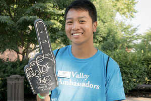Valley Ambassador welcomes students to campus
