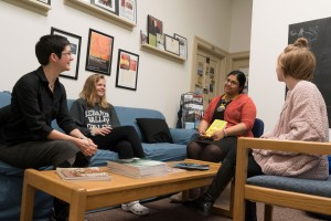 English majors meet with Dr. Holly Wendt