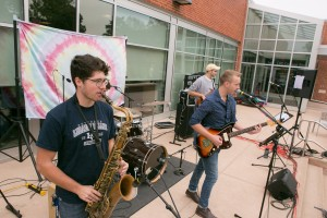 VALE artist November Lounge performs during Homecoming weekend