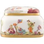 Ornamental Chinoiserie Box with Gold Decoration