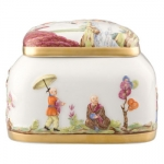 Meissen Ornamental Chinoiserie Box with Gold Decoration