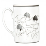 Jockey Mug Original equestrian line drawings meet the elegant craftsmanship of Portugal\'s Vista Alegre.