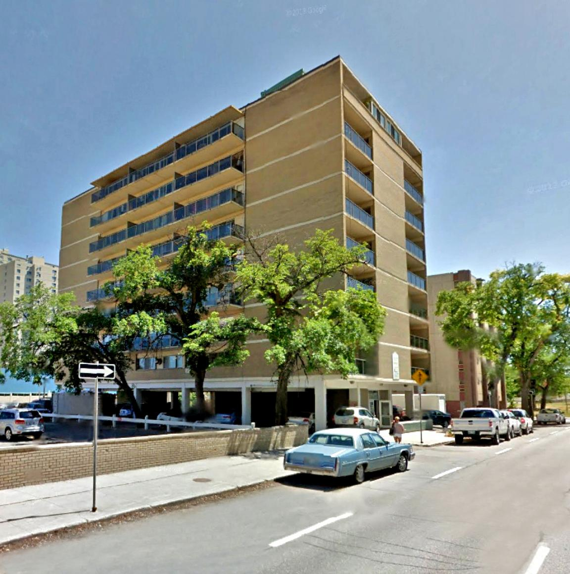 San Moritz Apartments: ApartmentLove