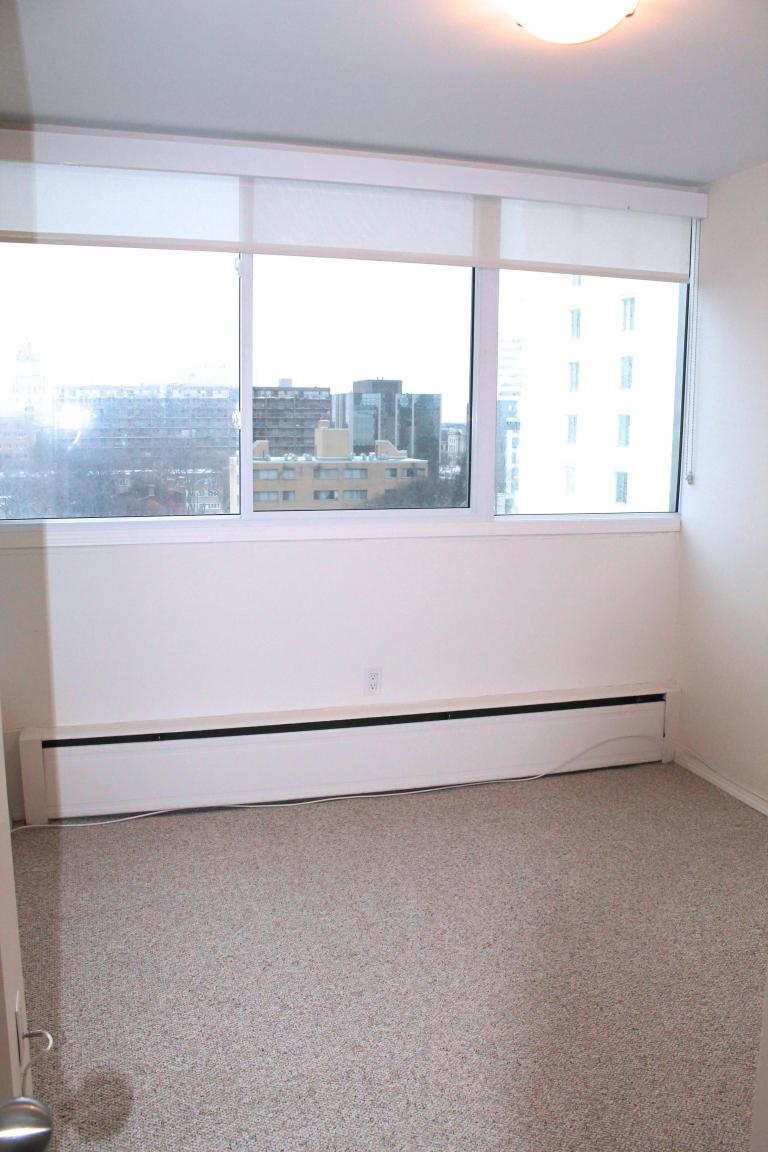 PENTHOUSE - 2ND BEDROOM / OFFICE