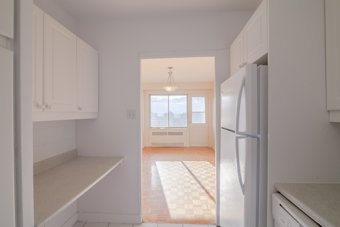Montreal Apartment for rent, click for more details...
