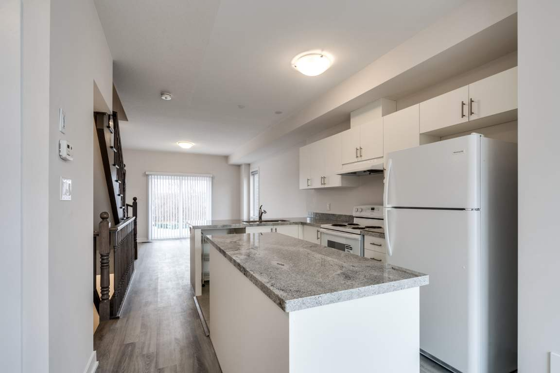 Ancaster Townhouse for rent, click for more details...