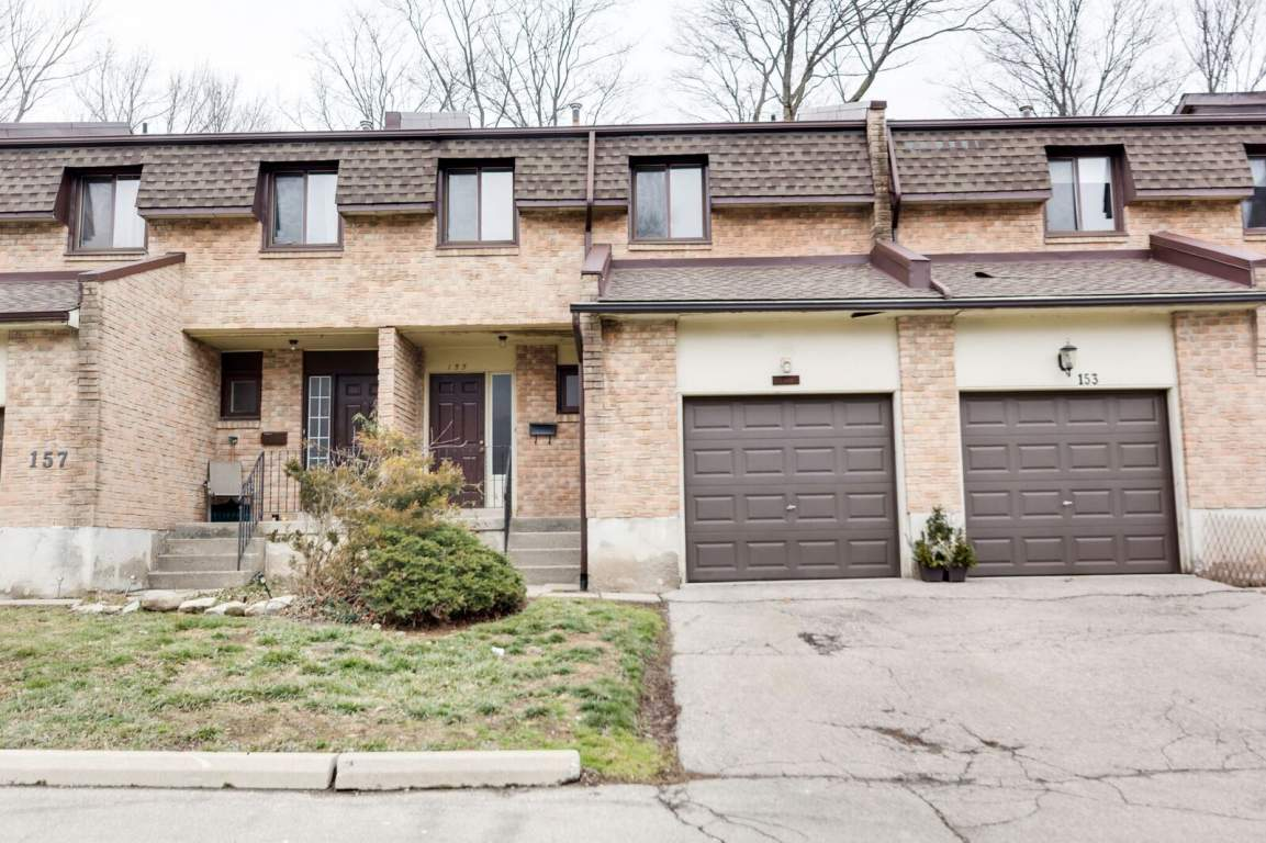 Dundas Townhouse for rent, click for more details...