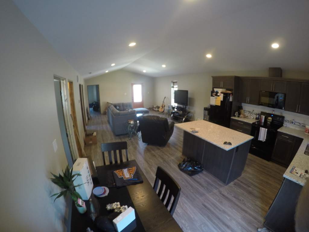 Upper Unite 11' Vaulted Ceilings and Open Floor Plan
