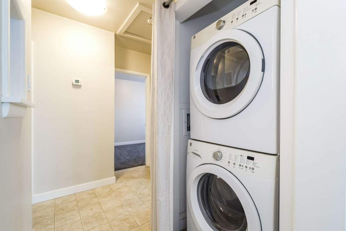 high-efficiency front-loading washer and dryer pair!!