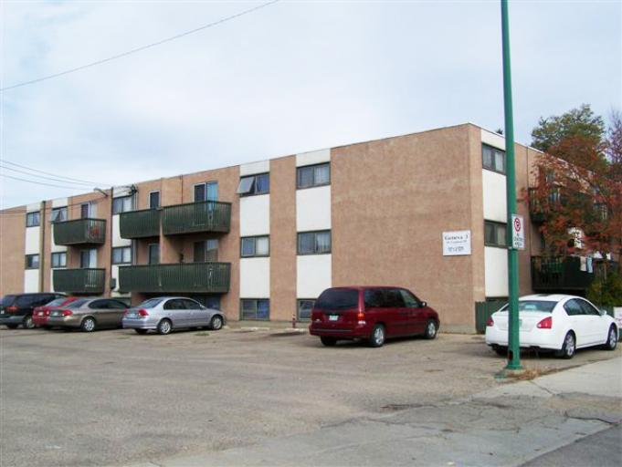 Summers Manor Apartments For Rent In Saskatoon Avenue