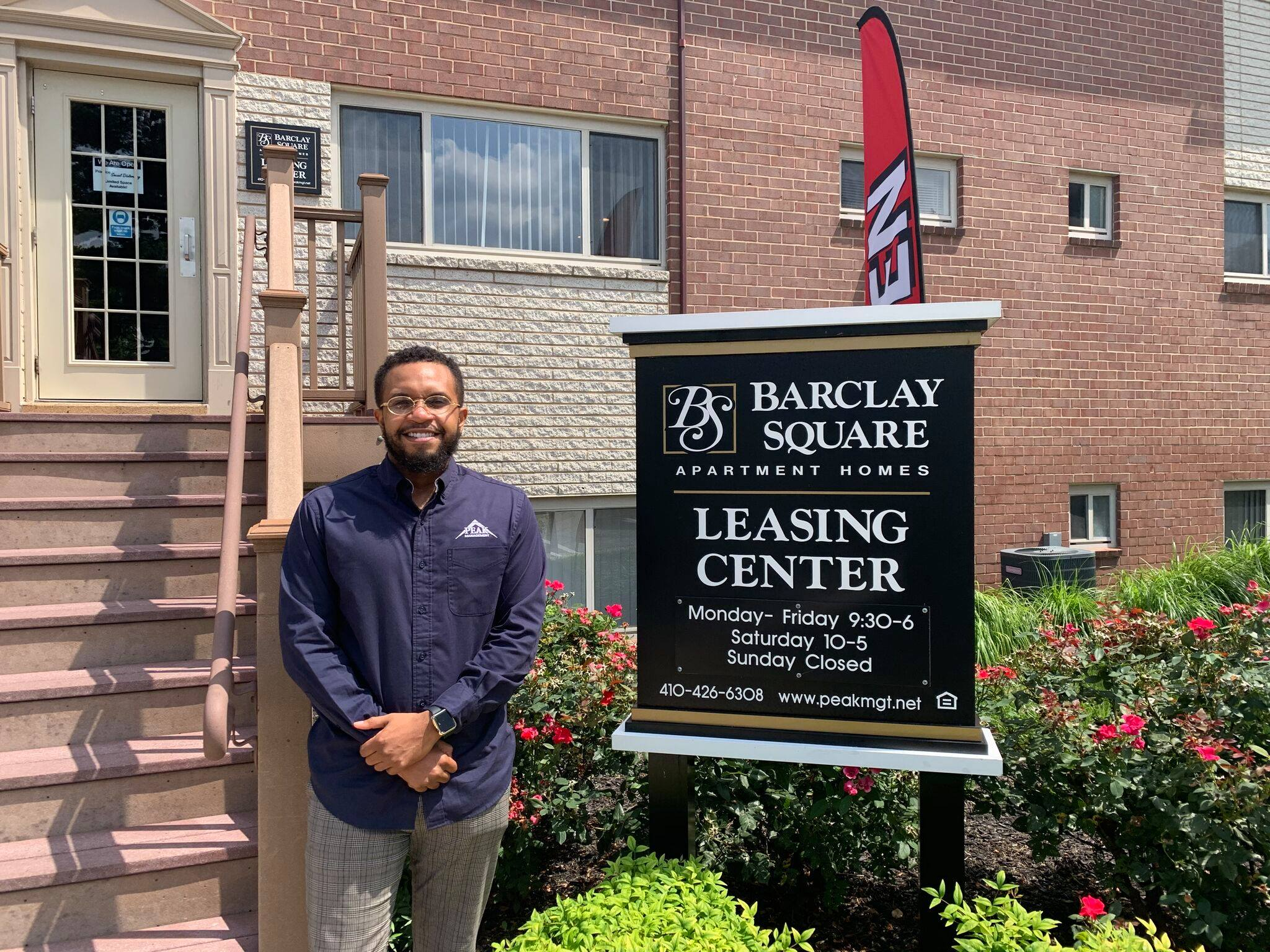 Barclay Square Manager - Donte
