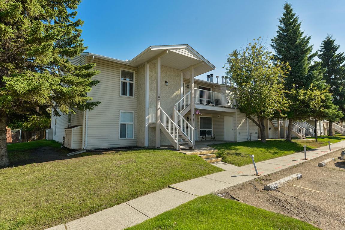 Edmonton West 2 bedroom Townhouse For Rent