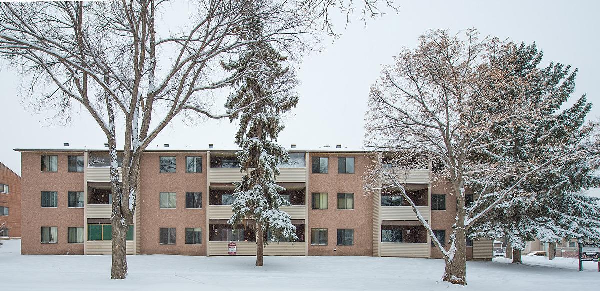 Edmonton Downtown 1 bedroom Apartment