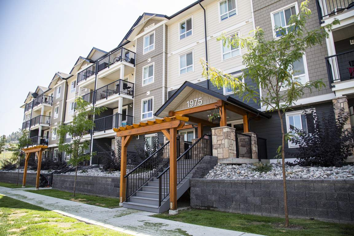 Kelowna British Columbia Apartment For Rent