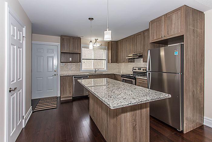 Kitchen - 340 Bell St S