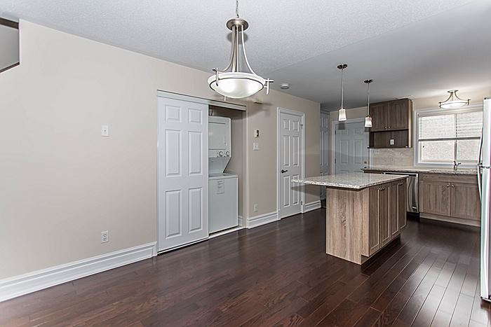 Kitchen + Dining Room + Laundry Machines - 340 Bell St S