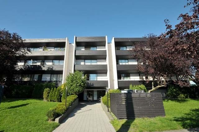 Victoria British Columbia Apartment for rent, click for details...