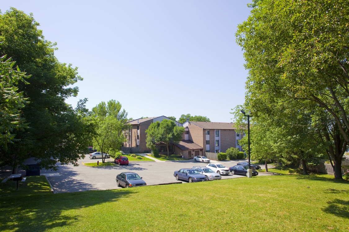 Newmarket Ontario Apartment for rent, click for details...