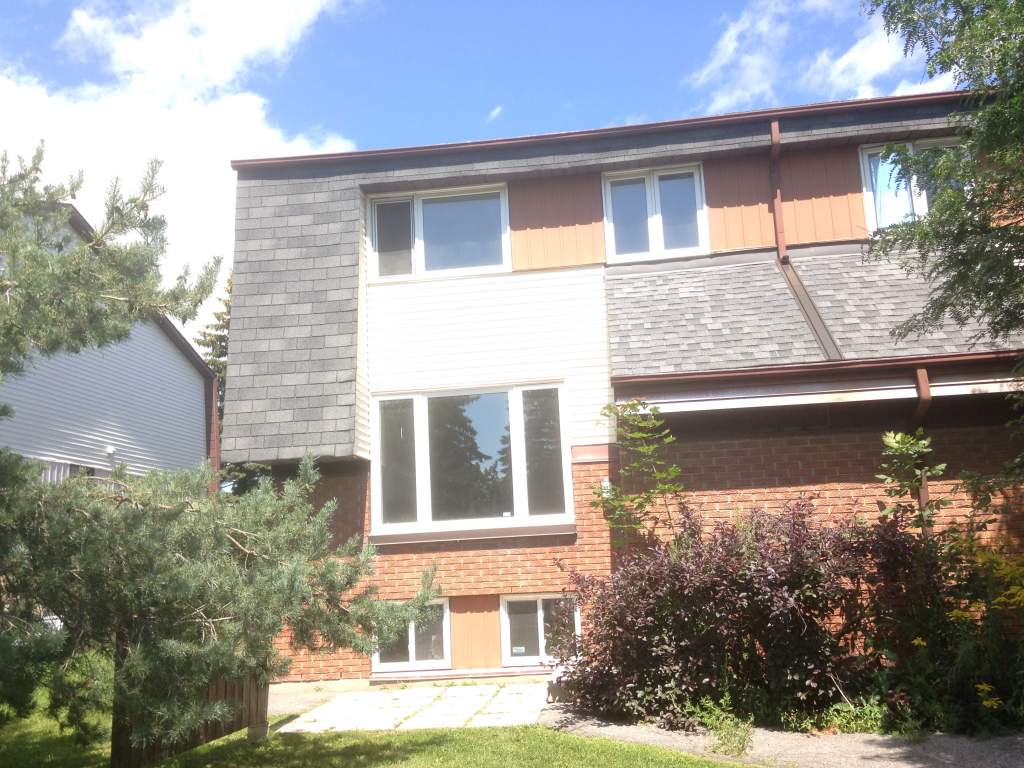 Gloucester Ontario Townhouse For Rent