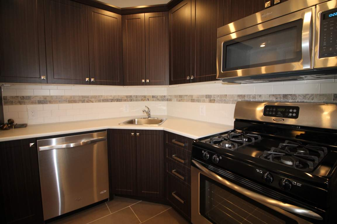 Ottawa West 3 bedroom Apartment