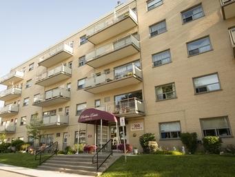 Apartment Building For Rent in  290-300 Mary Street North, Oshawa, ON