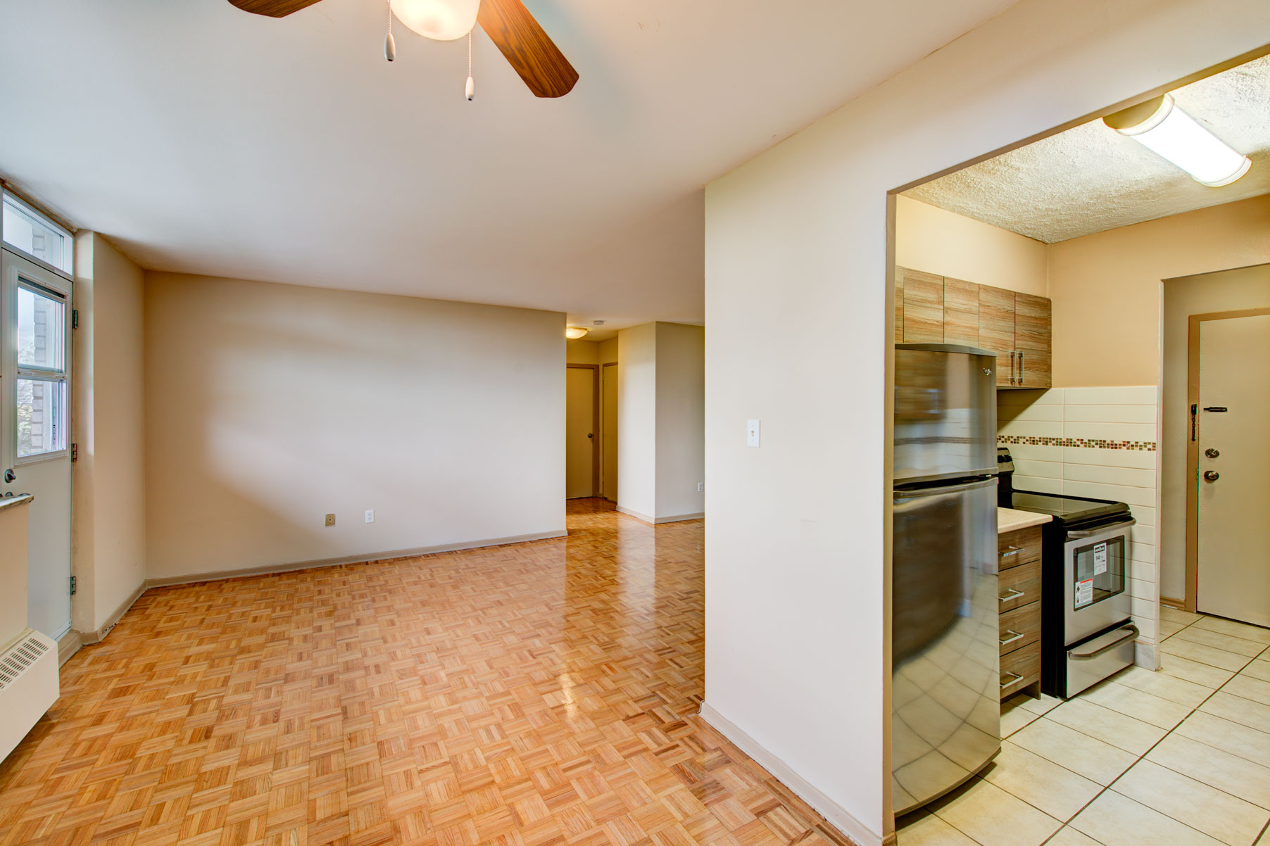 3 Bedroom Apartment Mississauga 28 Images 121 Agnes St