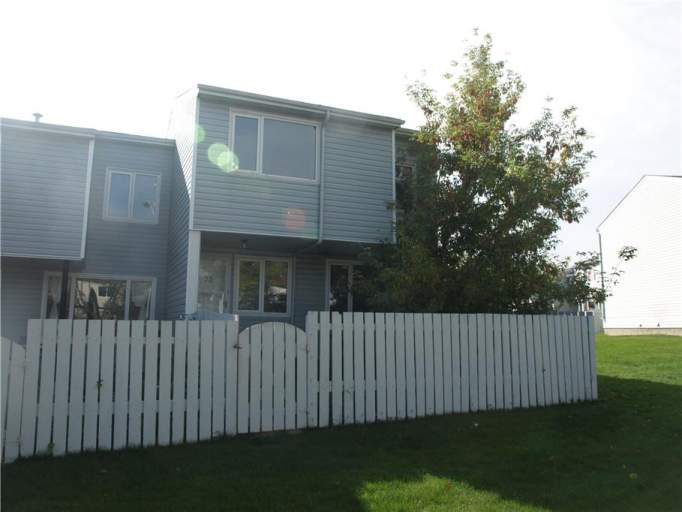 73 Amberly Court - Townhouse in Casselman