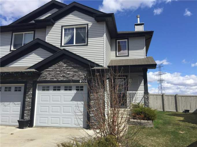 Stunning Duplex in Charlesworth - Single Garage