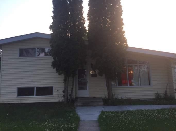 4 Bedroom Home in Calder! Large Garage!
