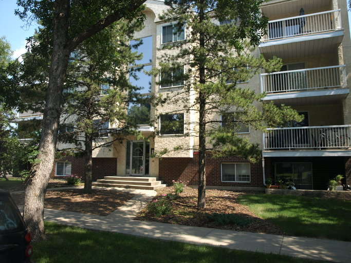 11045 123 Street - Gorgeous Condo in Westmount - Private Laundry!
