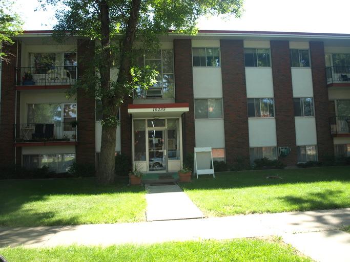 10255-117 Street, 12A