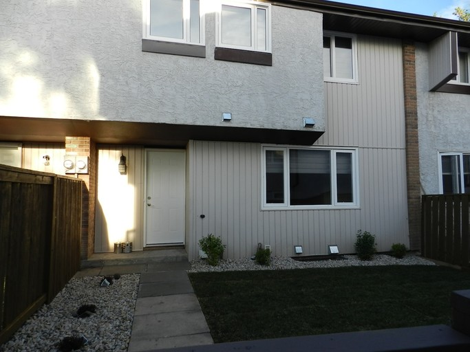 14320 80 Street - Townhouse in Kildare
