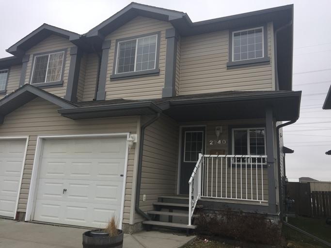 2940 26 Street - Duplex in SE Silverberry!